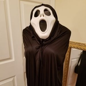 HALLOWEEN SCARY FACE AND CAPE WITH HOOD 🎃🎃